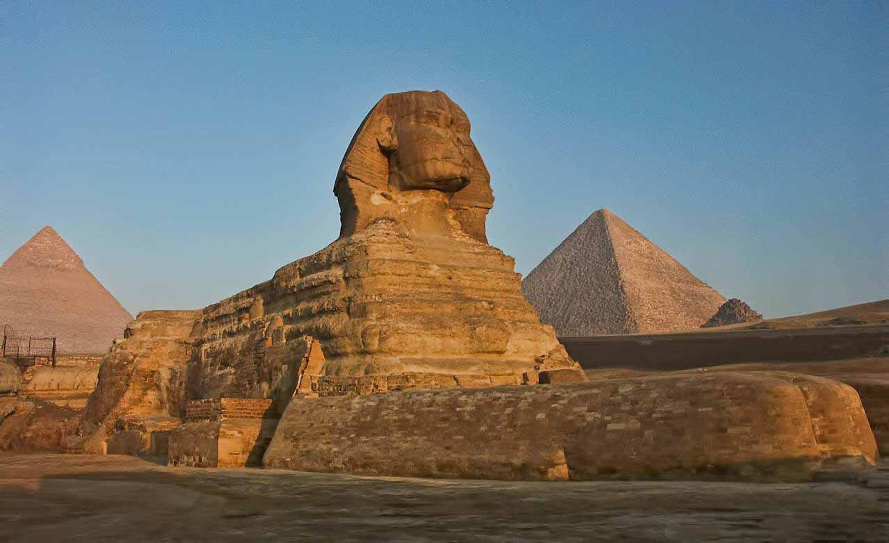 The Sphinx | Day Trip from El Gouna to Pyramids by Plane