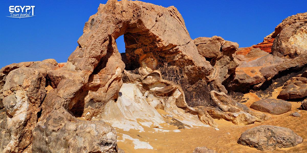 The Black Desert - Farafra Oasis Tavel Guide - Egypt Tours Portal